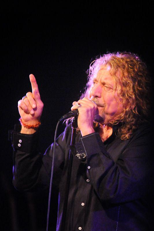 Robert Plant, 2010.  Photo © Gary Miller.