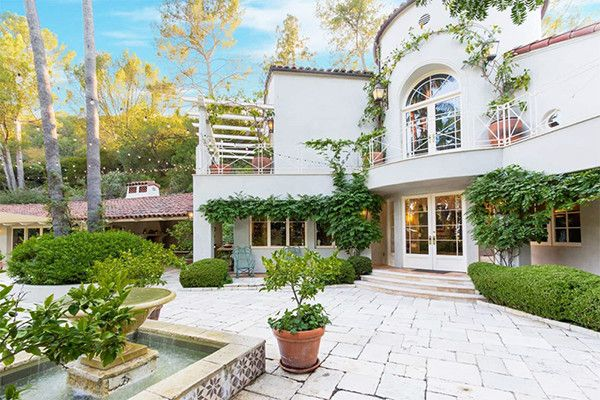 Inside Katy Perry S 9 4 Million Palatial Hollywood Hills Home Hollywood Hills Homes Spanish Style Homes Mansions