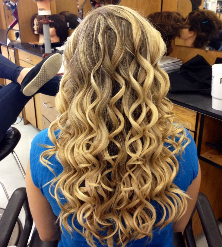 Nume 25 mm curling wand curls .