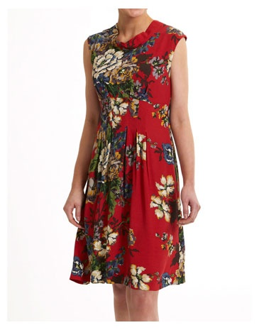 Love this dress, reminds me of the beautiful floral fabrics found in Polish costumes.