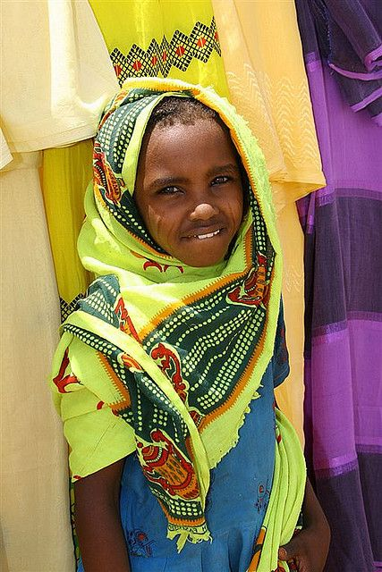 #Nara girl at Market on #Agordat road, Eritrea. Nara are a Nilotic ethnic group with Nilo-Saharan language living in Eritrea and make up less than 1% of the population. Nara have famous #Eritrea musician with #Tigrinya Language