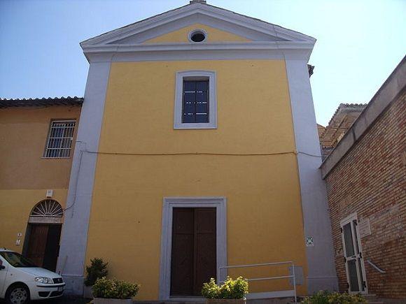 #Cerveteri y otras localidades de su término municipal le ofrecen al viajero atento una verdadera colección de iglesias románicas y más cercanas en el tiempo que albergan un patrimonio que está también ahí para ser descubierto. http://www.guias.travel/blog/25-iglesias-para-alentar-un-tour-a-cerveteri/