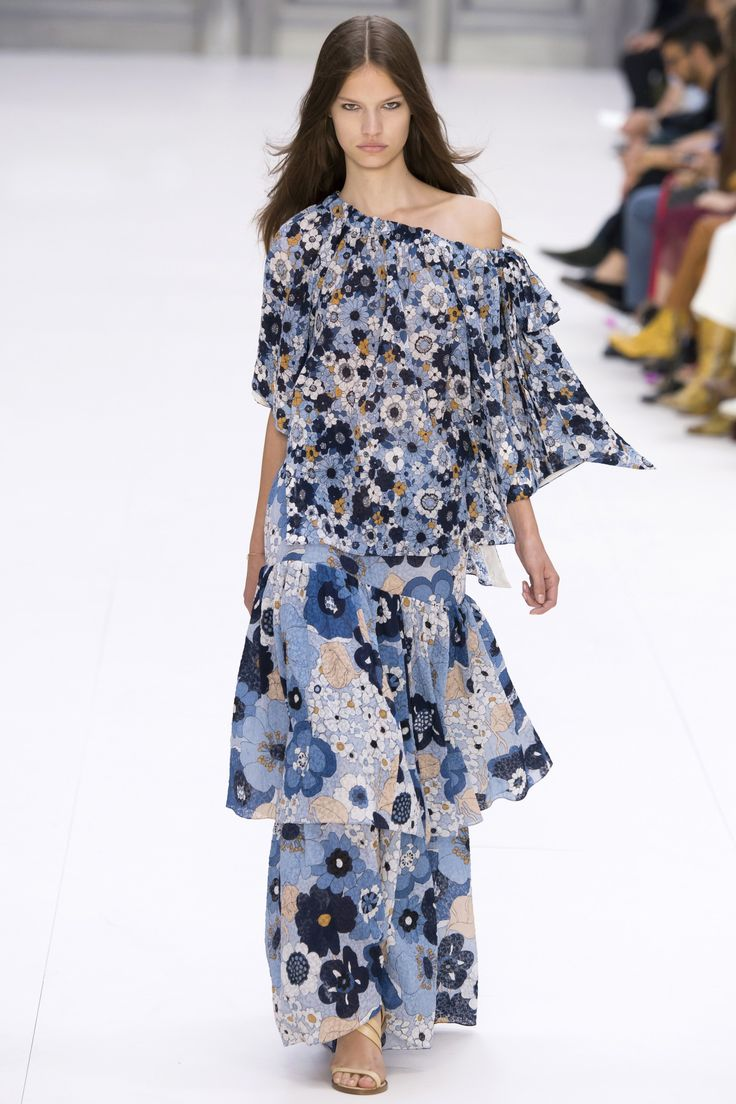 Chloé Spring 2017 Ready-to-Wear by Clare Waight Keller