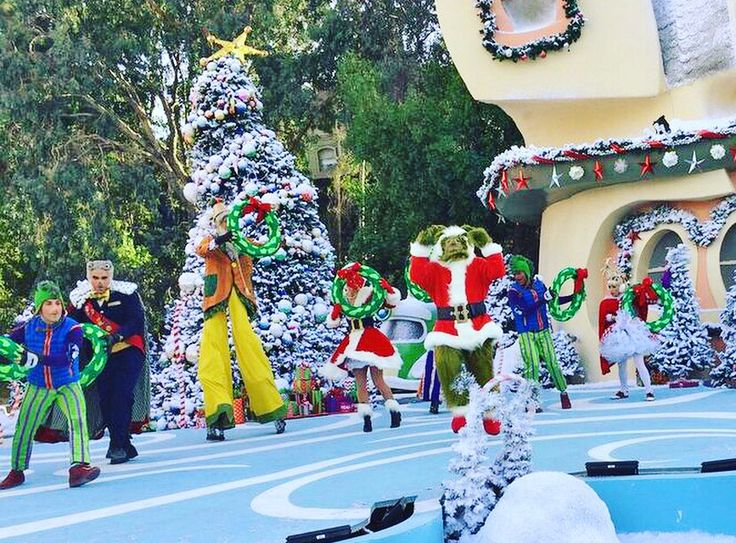 #TBT to last year's Christmas event at Universal Orlando! Who's ready to start this year's holiday celebration? #orlando #universalorlando
