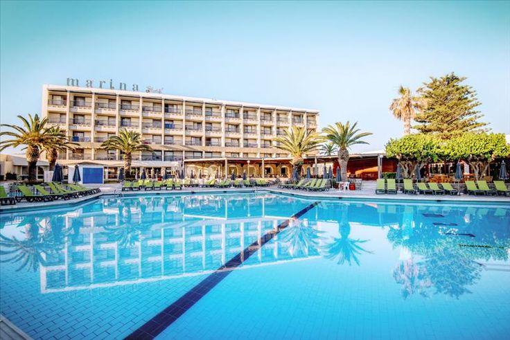 De nieuwste SunConnect op Kreta ligt vlak aan het strand heeft mooie, fris ingerichte kamers, een prachtige tuin, veel faciliteiten voor zowel jong als oud, veel sportieve mogelijkheden en in het hoogseizoen voor de kinderen een Lollo & Bernie kidsclub in juli en augustus. SunConnect Marina Beach bestaat uit diverse gebouwen waarvan een deel is gerenoveerd, de wifi is gratis in het hele hotel en er zijn in totaal 4 zwembaden.  Porto Marina Beach | Kreta | Griekeland