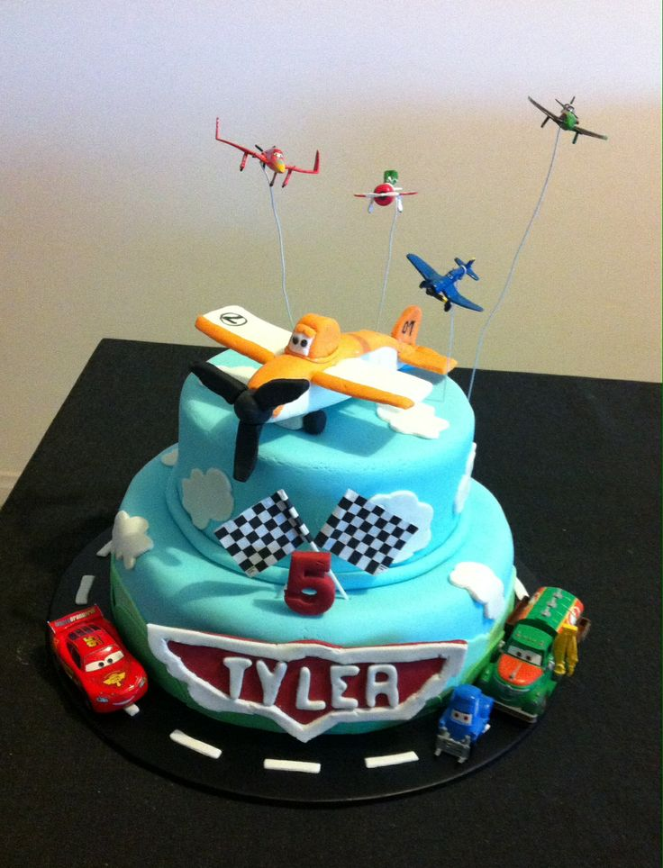 Planes Dusty birthday cake incl McQueen