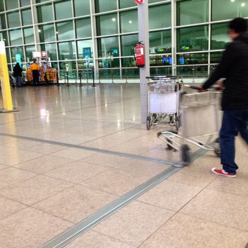 Airport floor expansion joint covers - Migutrans at Barcelona El Prat (BCN)