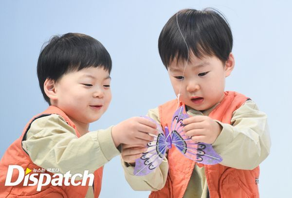 150330 Dispatch update about BTS Song'sTriplets and Dad CF KIA #Daehan #Minguk #Manse #songTriplets #삼둥이