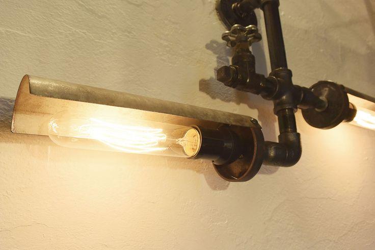 ガス管を使用した照明。インダストリアル系にもエジソンバルブは相性も抜群ですね。