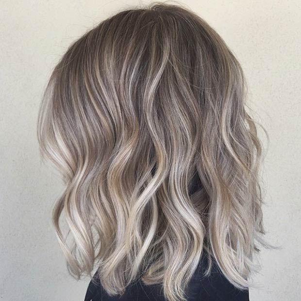 Dark ash blonde // high density, medium weave highlight