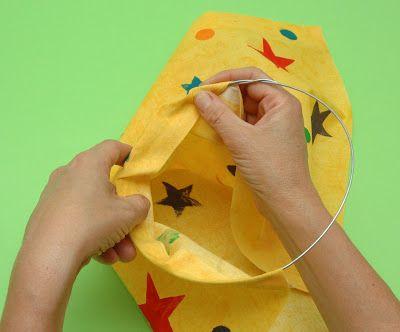 Hoy vamos a parender a hacer una manga de viento: http://www.manualidadesinfantiles.org/construye-tu-manga-de-viento