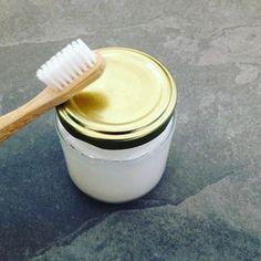 Mit nur drei Zutaten können Sie Ihre Zahnpasta selbst herstellen. EcoYou zeigt …   – Gesundheit