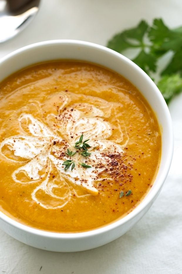 A luxurious curried butternut squash soup recipe made in the slow cooker. Just toss everything in and you get perfect warm and comforting butternut soup.