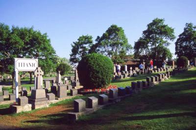 NS Titanic Graves
