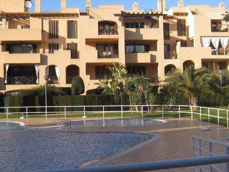 145m² EG-Wohnung mit Terrasse, PKW-Stellplatz & G.-Pool: Erdgeschosswohnung in ruhiger, gepflegter Wohnanlage in Puig den Ros zur Langzeitmiete. Die Wohnung verfügt über 3...
