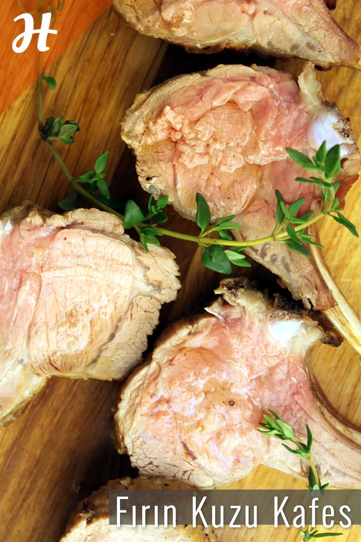 Fırında kuzu kafes nasıl yapılır? Kırmızı et bölümünde, Şef Gustavo'dan izleyin: http://www.hobiyo.com/kurslar/temel-mutfak-teknikleri-k1