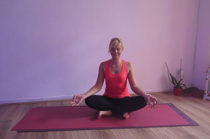 sukhasana vinyasa yoga gandia españa