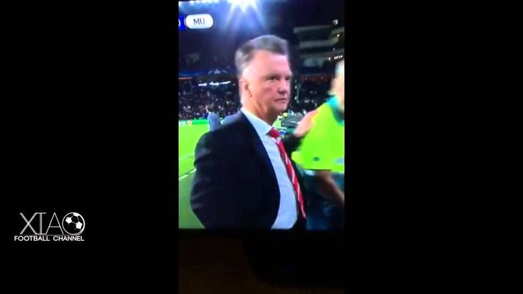 Van Gaal's Reaction with Luke Shaw Injury Manchester United vs PSV (16/0...