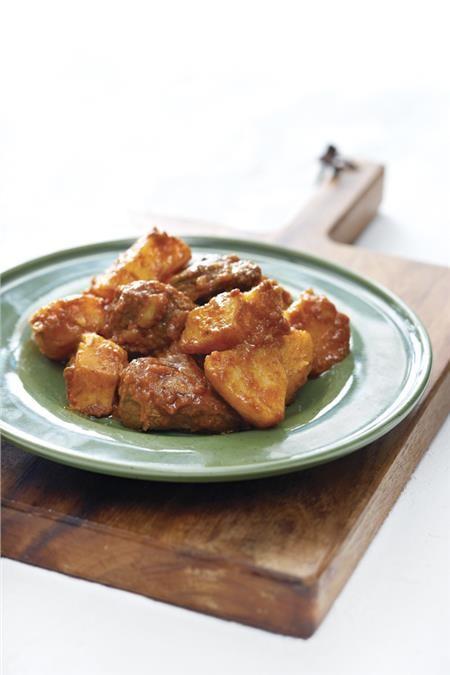 Μοσχάρι με πατάτες κατσαρόλας