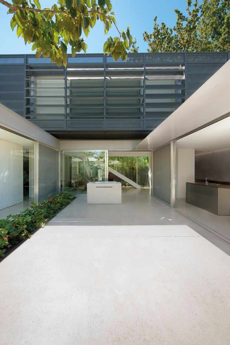 Courtyard House Melbourne, Australia by Carr Architecture