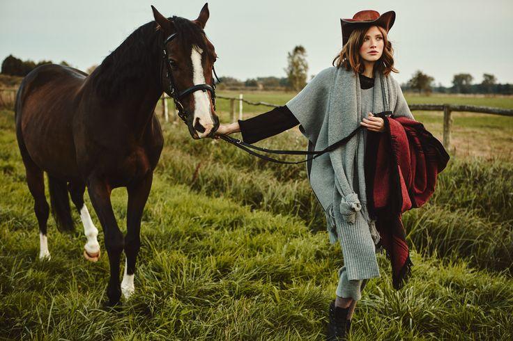 Poncho LA PAMPA ARGENTINA, long skirt LA AMERICANA, grey scarf from B SIDES LA AMERICANA collection (100% fine merino wool) #bsideshandmade #basiachrabolowska #sustainableknitwear