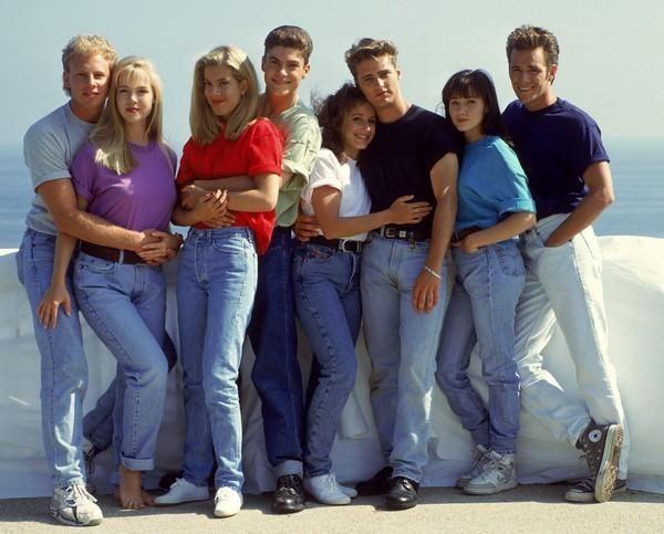 Беверли-Хиллз 90210: как сложилась судьба главных героев популярного в 90-х сериала   https://joinfo.ua/showbiz/1214144_Beverli-Hillz-90210-slozhilas-sudba-glavnih.html