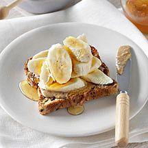 Toast met pindakaas, banaan en honing