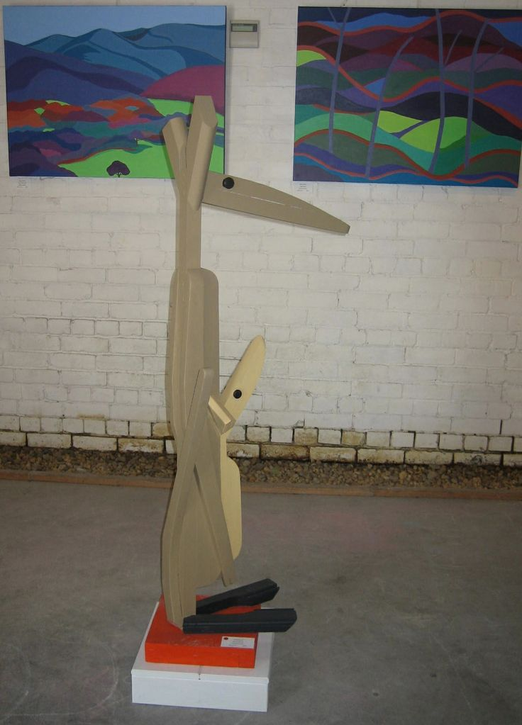 Savaad Felich kangaroo sculpture at Yering Station 'On and Off the Wall' exhibition 2012.