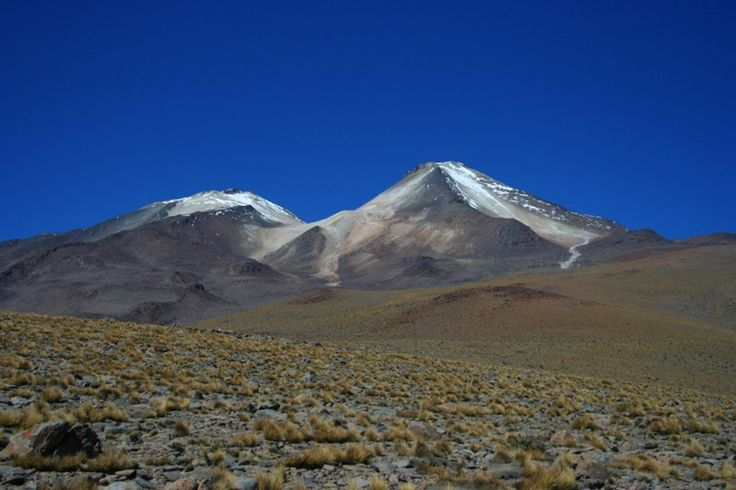Massive Lake Found Under Bolivian Volcano. Roughly nine miles beneath Uturuncu, a dormant volcano in the Andes,  the underground mass of water is between the size of Lake Superior and Lake Huron. The subterranean lake apparently contains a volume of water that's somewhere between Lake Huron (850 cubic miles) and Lake Superior (2,903 cubic miles), according to Jon Blundy, a volcano researcher and professor at the UK's University of Bristol, who was one of the study's authors.