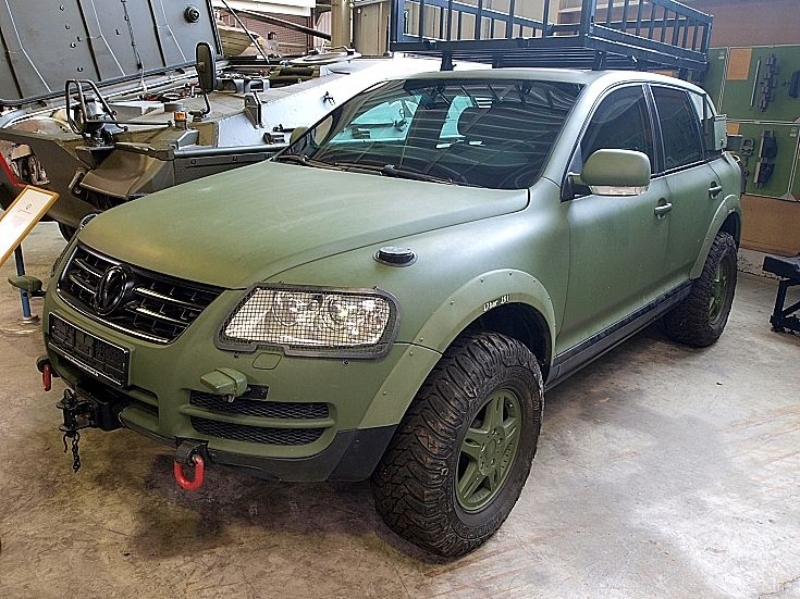 Be Ce B E E Fb E C Volkswagen Germany Vw Touareg