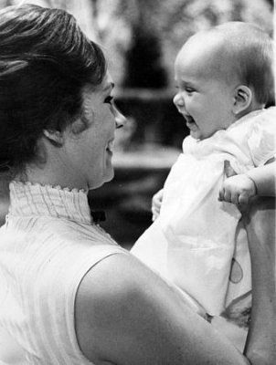 Julie Andrews with daughter Emma on the set of Mary Poppins