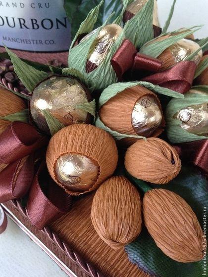 Купить или заказать Конфетно-кофейная  композиция, подарок для мужчины в интернет-магазине на Ярмарке Мастеров. Оригинальная конфетная композиция в подарок мужчине по любому случаю: день рождения, 23 февраля, профессиональный праздник, Новый год. Данная композиция выполнена из 8 конфет 'Осенний вальс' ,12 конфет 'Миндаль Иванович в шоколадной глазури' и банки кофе 'Bourbon'. Конфеты, банку кофе и цветовую гамму можно заменить по Вашему желанию, соответственно цена напр...