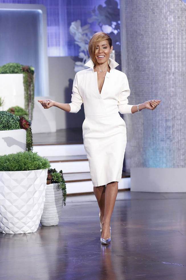 Exclusive Jada Pinkett Smith Is Taking Her Talks To Abff Young Black And Fabulous Types Of Fashion Styles Jada Pinkett Smith Short Hair Back