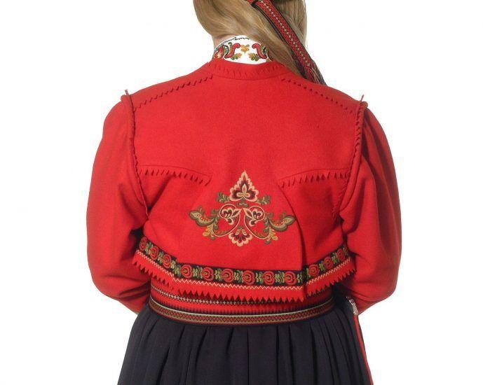 Almankås Øst-Telemark damebunad ranke jakke