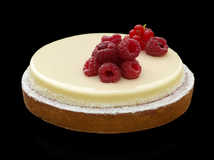Vanilla mousse tart