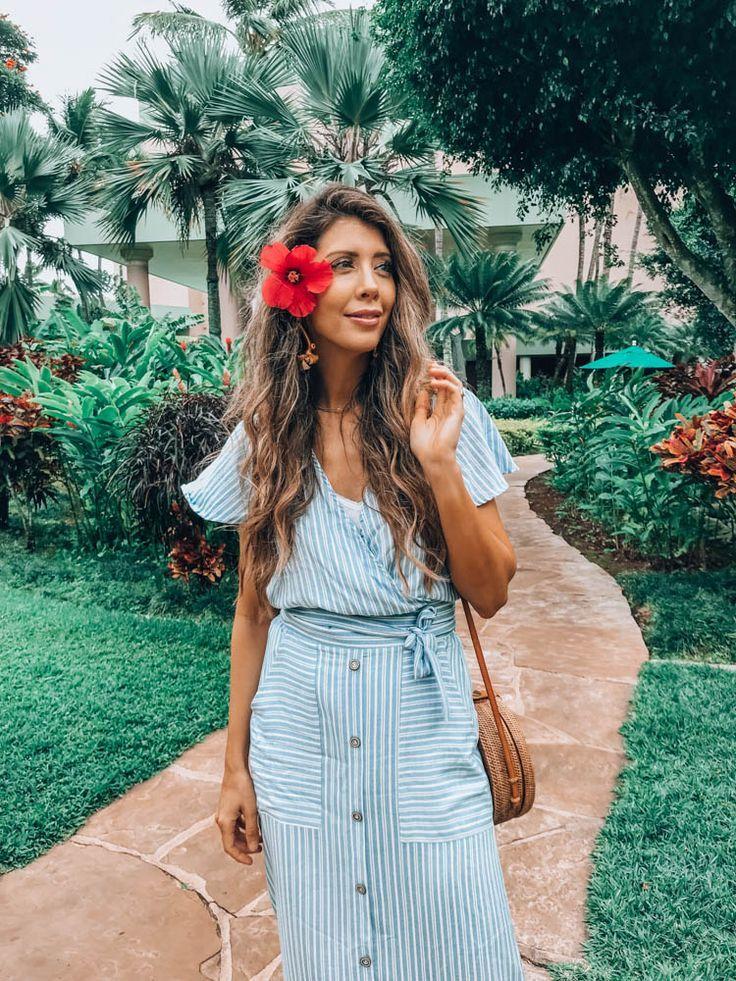 Things to Do in Kauai by San Francisco lifestyle blogger The Girl in The Yellow Dress #kauai #hawaiitravel #hawaii