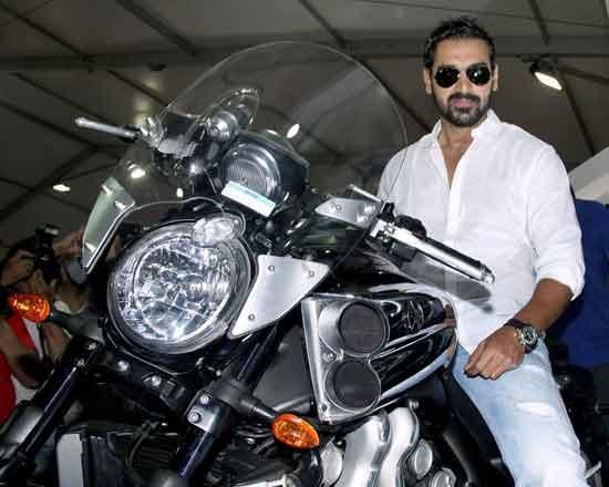 John Abraham John Abraham is a known bike aficionado. This bad boy owns a 500cc single-cylinder Suzuki HayaBusa bike. Along with that bike, he also owns a couple of Yamaha R1's as well.