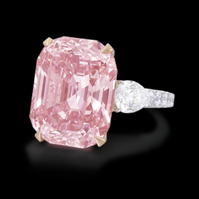 Graff pink diamond. 25 carats of absolute perfection #graff #pink #bling