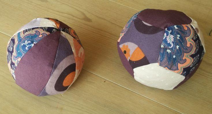 DIY baby balls with bells / DIY baby bolde med bjælde