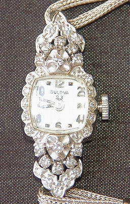 BULOVA WOMENS DIAMOND 14K GOLD WATCH VINTAGE * 32 DIAMONDS *