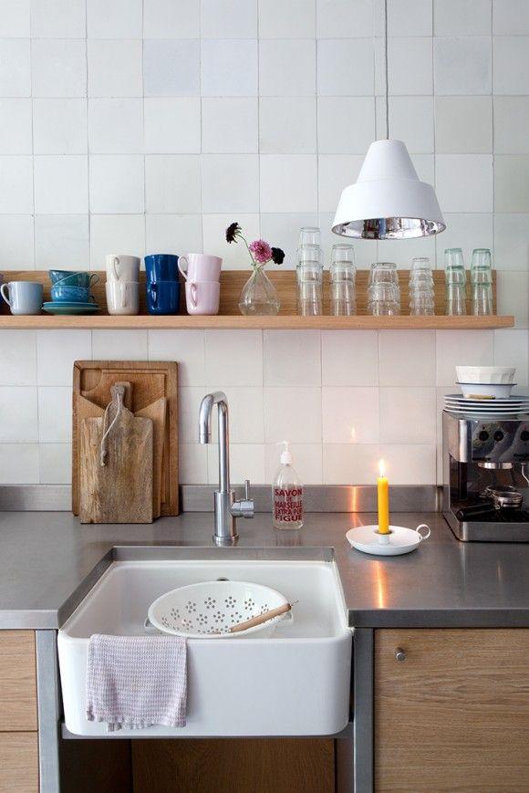 Kitchen at an Amsterdam house (owner visjebijdethee)