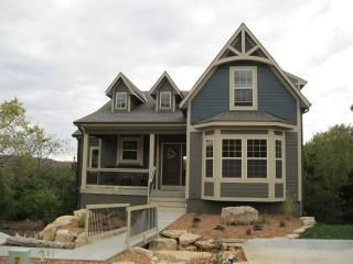 Vacation home in branson mo 6 bedrooms 2 master suites with 2 jetted tubs 3 floors with 2 for Branson condo rentals 3 bedroom