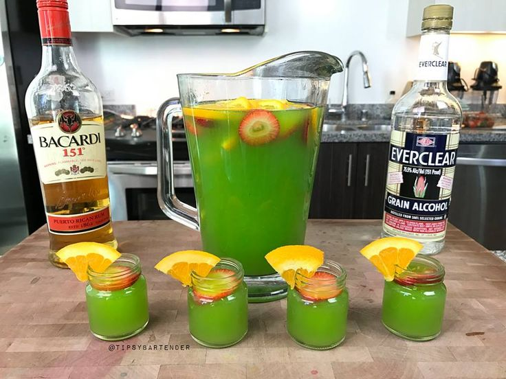 Green Jungle Juice - For more delicious recipes and drinks, visit us here: www.tipsybartender.com