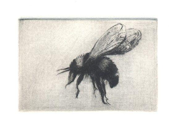 Bumble Bee aguafuerte punta seca 2 x 3 por LynneWindsor en Etsy