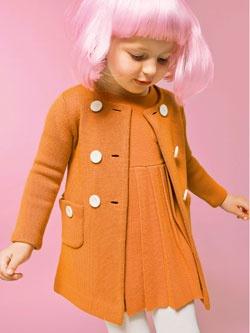 60s fun — baby girl in pink wig // great coat!