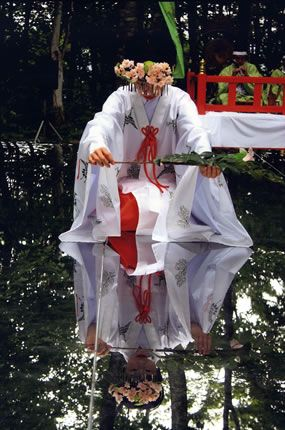 Japanese shrine priestess, Miko 巫女