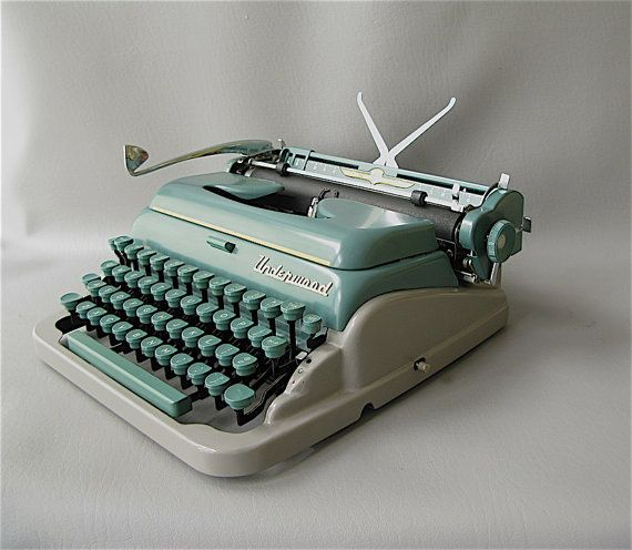 Vintage Portable Typewriter 1950s Underwood deluxe by PassedBy