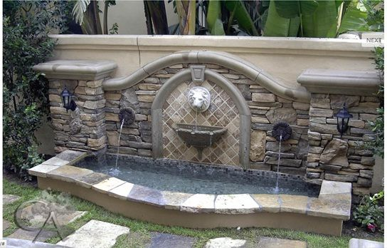 An elegant water feature for your backyard. This Mexican themed fountain is something which makes your garden complete.