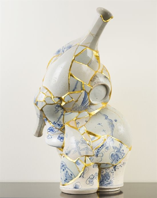 View Translated Vase by Yee Sookyung on artnet. Browse upcoming and past auction lots by Yee Sookyung. Kintsugi, Japanese Painting, Japanese Art, Stacked Pots, Japanese Porcelain, Contemporary Sculpture, Global Art, Diy Clay, Art Market