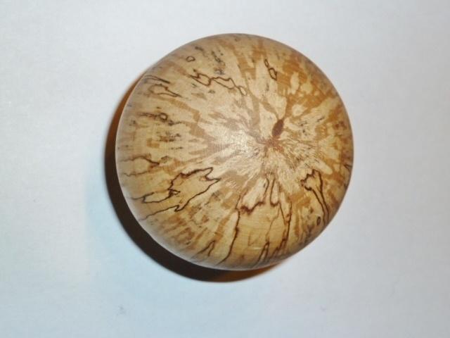 Schöne handgemachte Holzkugel mit einzigartiger Maserung aus Birke!